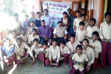 स्माईल संस्था ने दिव्यांगों को दिया नि:शुल्क प्रशिक्षण