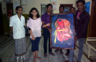 अंगदान देहदान दधीचि अभियान के चित्रों द्वारा प्रचार-प्रसार को बढ़ावा देने हेतु आगे आ रहे निजी चिकित्सक,  डॉ. विनय चौहान ने क्रय की अंगदान पर आधारित पेंटिंग 'द गिफ्ट