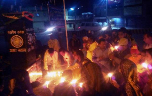 विकसित देश पाकिस्तान की फंडिग बंद करे:साहू, महाआरती कर दी शहीदों को श्रद्धांजली